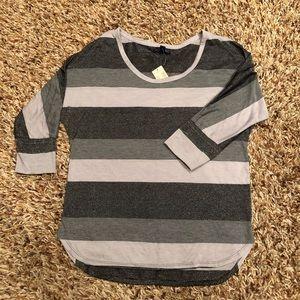 American Eagle - 3/4 sleeve sparky shirt (NWT) M